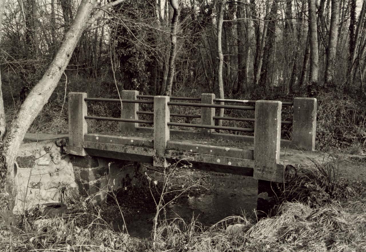 Abzac, le pont à gué, rue du Petit moulin