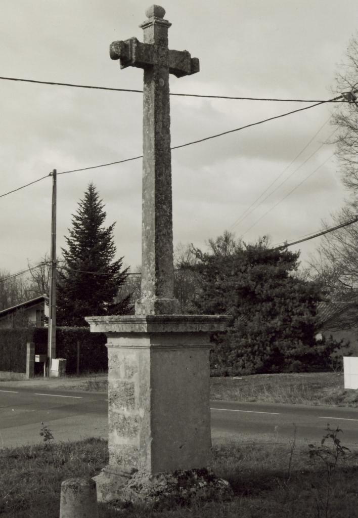 Abzac, la croix des Hilaires