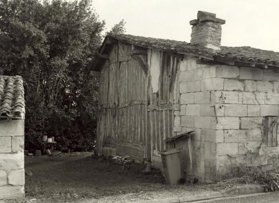 Coutras, une maison en torchis au lieu-dit Fargues