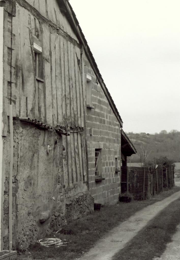 Coutras, une maison à colombage, 49 rue Brossolette