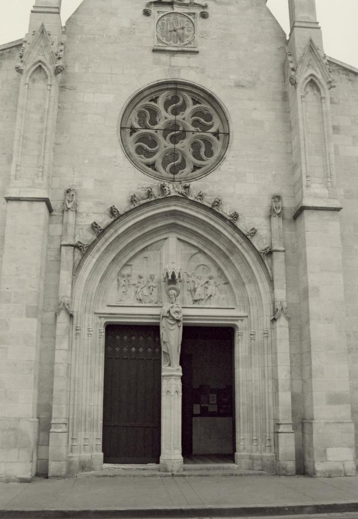 Coutras, le portail de l'église Saint-Jean-Baptiste