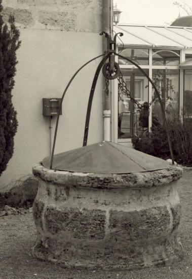 Coutras, la Chartreuse, le puits