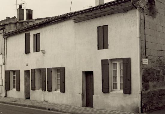 Coutras, une maison du 17ème au 191 rue Brossolette
