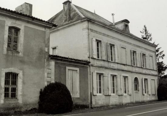Les Eglisottes, la villa du Chalaure