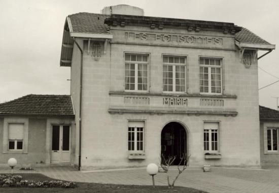 Les Eglisottes, la mairie