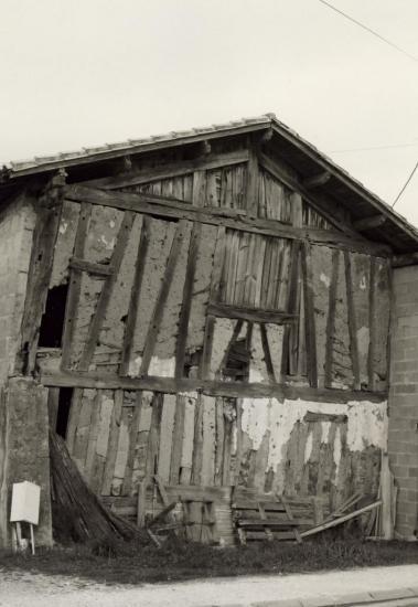 Les Eglisottes, une maison en torchis au lieu-dit le Breuil