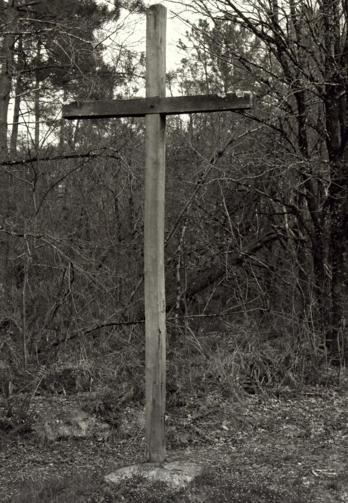 Saint-Christophe-de-Double, la croix d'Alexandre