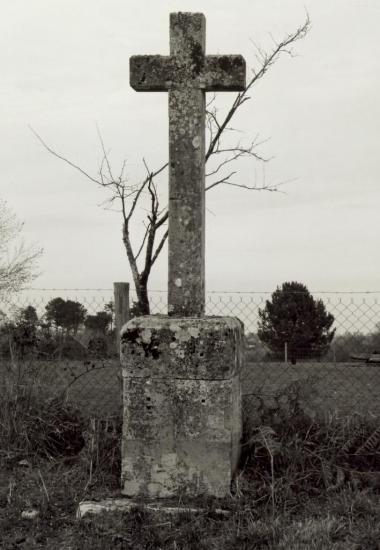 Saint-Christophe-de-Double, une croix de mission au lieu-dit la Croix