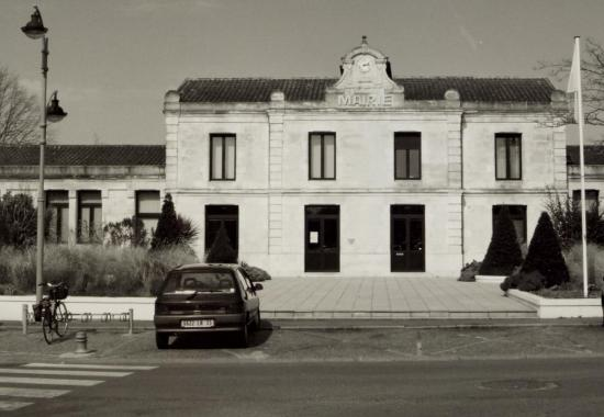 Saint-Seurin-sur-Isle, la mairie