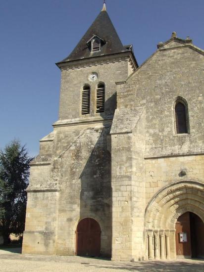 Villegouge, l'église romane restaurée Saint-Pierre