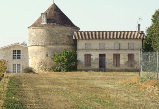 Villegouge, le moulin de Thouil