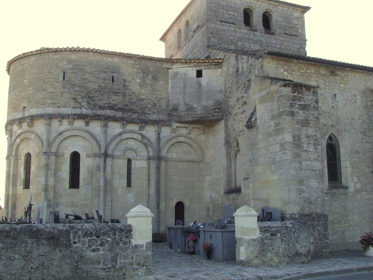 La-Lande-de-Fronsac, l'église, vue gnérale