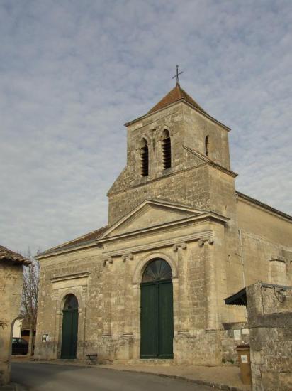 Asques, l'église Saint-Jean est du XVIIIème siècle