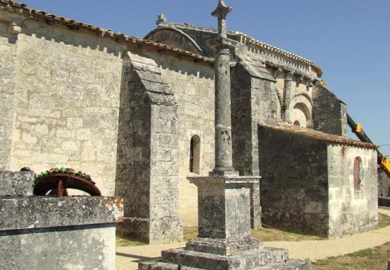 Mouillac, l'église romane Saint-Fort
