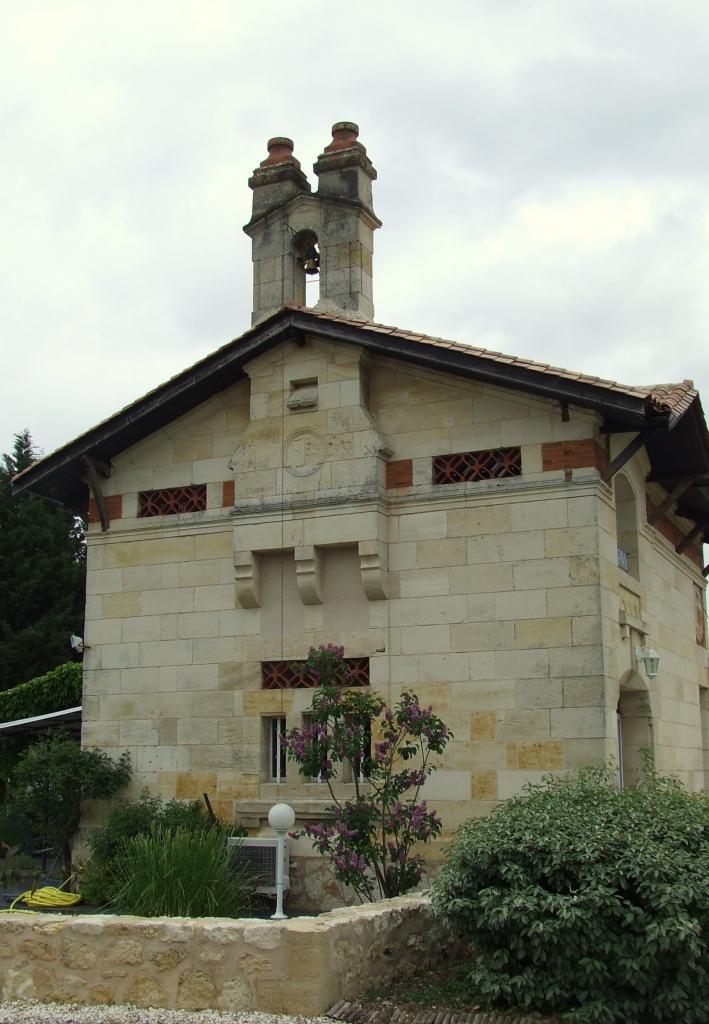 Lugon-et-l'Ile-du-Carney, la chapelle, ancienne église prieurale