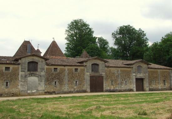 Lugon-et-l'Ile-du-Carney, le château Carney, les chais
