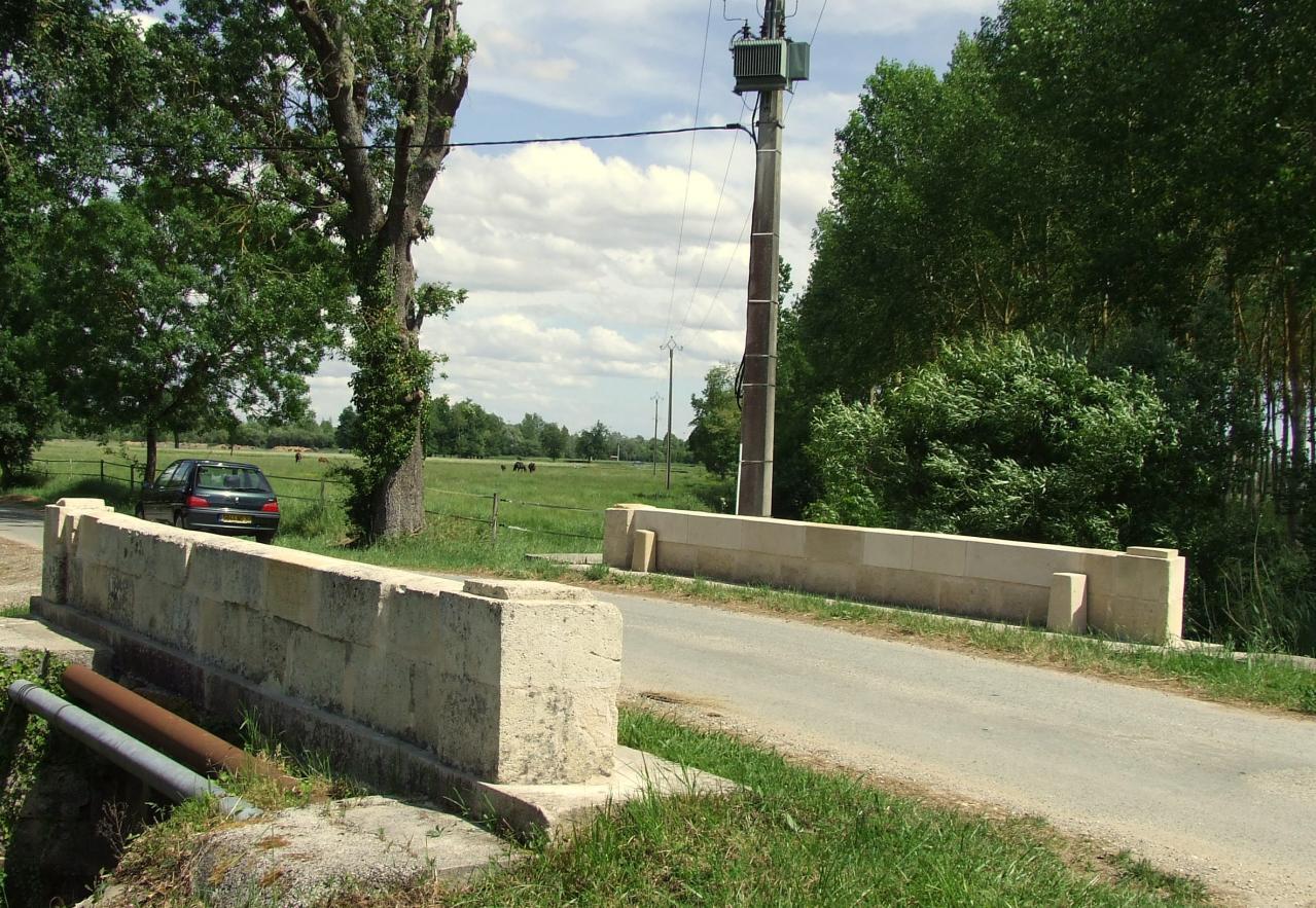 Arveyres, un pont route de Cugnefesse