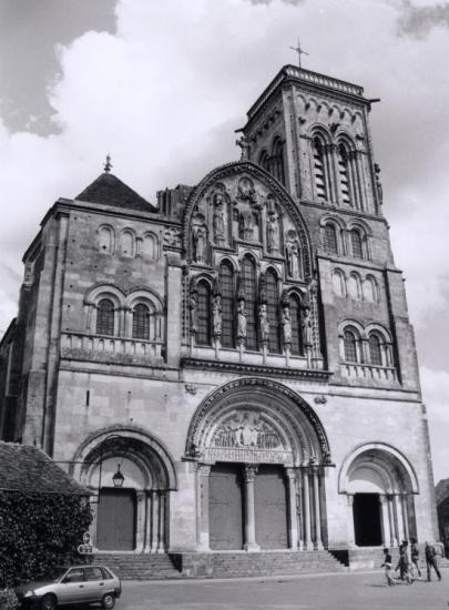 Auxerre, l'église Saint-Pierre.