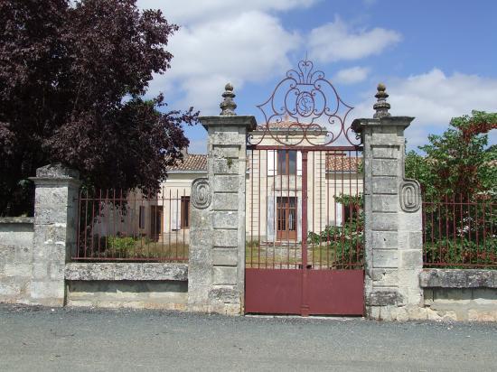 Camiac et Saint-Denis, une ancienne maison noble
