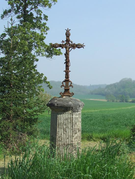 Naujan et Postiac, une croix de mission,