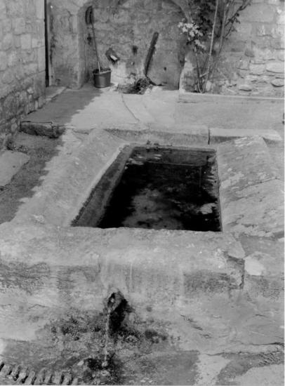 La Roque-Gageac, un petit lavoir.