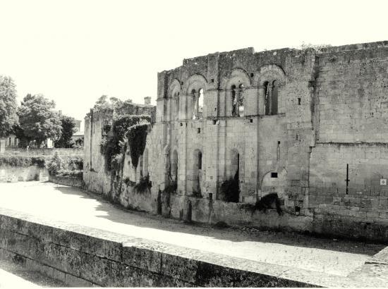 Saint-Emilion, les remparts.