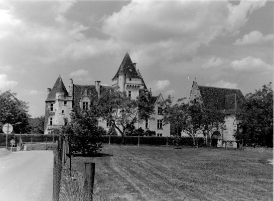 Les Milandes, vue générale du château.