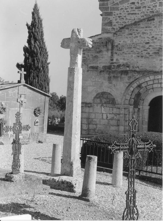 Saint-Martin-de-Laye, la croix du cimetière.