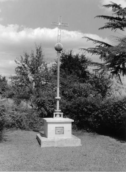 Bayas, une croix de mission 1956.