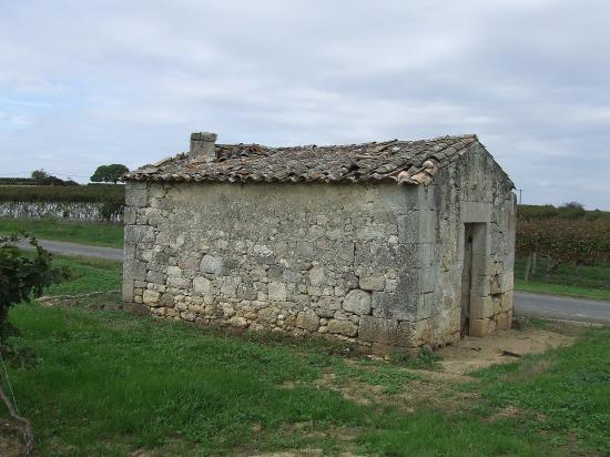 Saint-Quentin-de-Baron, une maison de vigne.