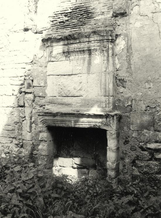 Arveyres, la Commanderie des Templiers: la cheminée