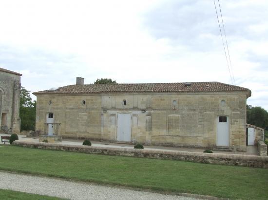 Tizac-de-Curton, la cure Notre-Dame,