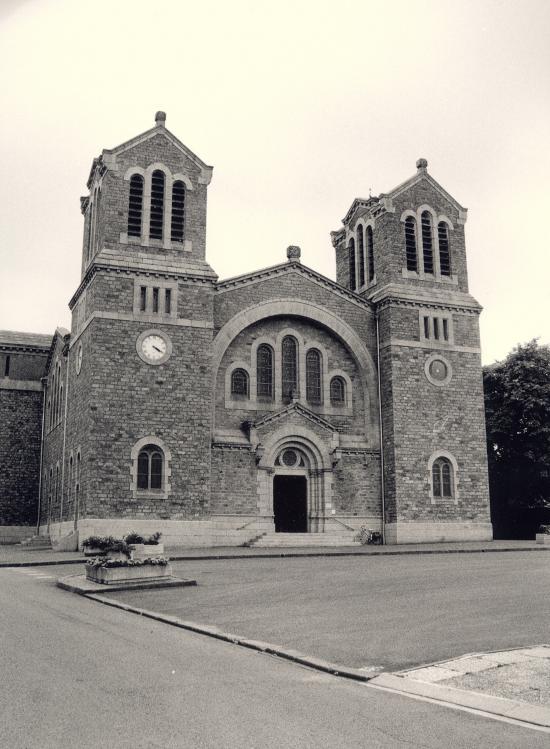 Paimboeuf, l'église néo-byzantine.