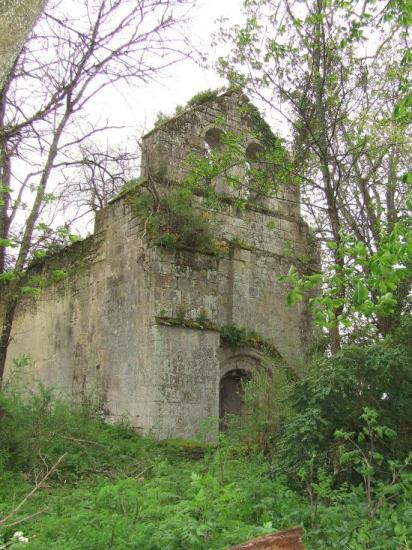 Postiac, en ruine l'ancienne église de Postiac.