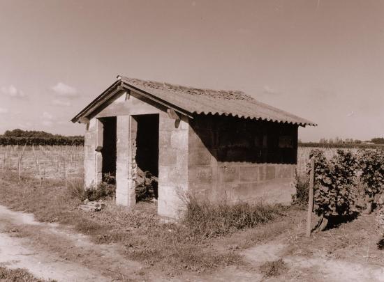 Saint-Germain-du-Puch, une autre cabane de vigne.