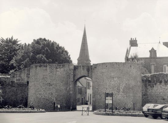 Guérande, la porte de Vannetaise.