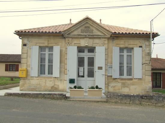 Guillac, l'ancienne mairie,
