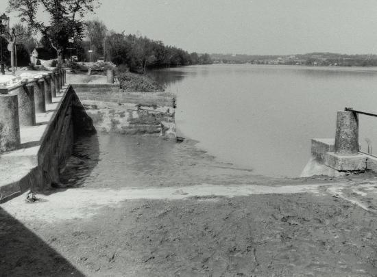 Vayres, le port de Saint-Pardon sur la Dordogne.