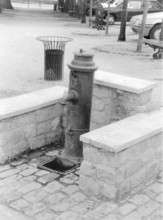 Guitres, une autre pompe à eau,