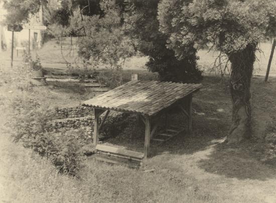 En Charente-Maritime, au Petit Paris, un lavoir.