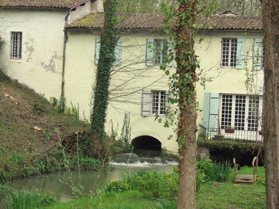 Moulon, le moulin Batan.