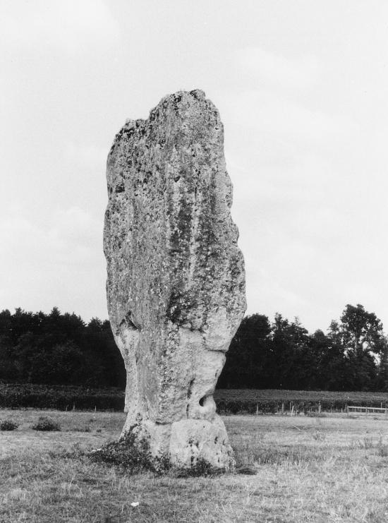 Saint-Sulpice-de-Faleyrens, le menhir de Pierrefitte.