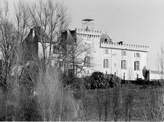 Vayres, le château de Vayres.