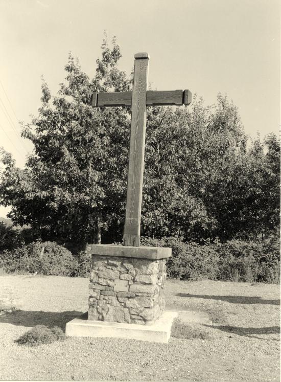 Saint-Martin-de-Laye, une croix de mission 1957