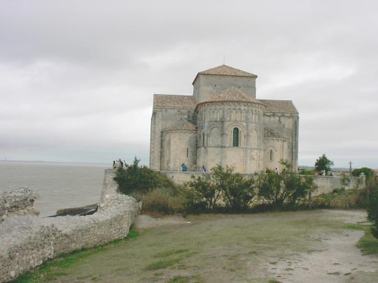 Talmont, l'église Sainte-Radegonde,