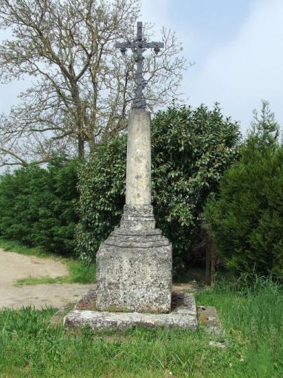 Grézillac, une croix de mission Jubilé 1875,