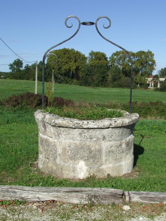 Baron, un puits dans le bourg