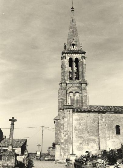 Saint-Christophe-des-Bardes, l'église romane Saint-Christophe.