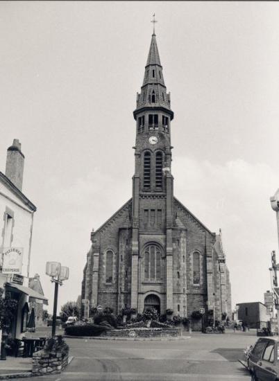 Saint-Lyphard, l'église.
