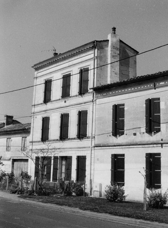 Vayres, une maison au n°30 de l'ancienne route Royale.